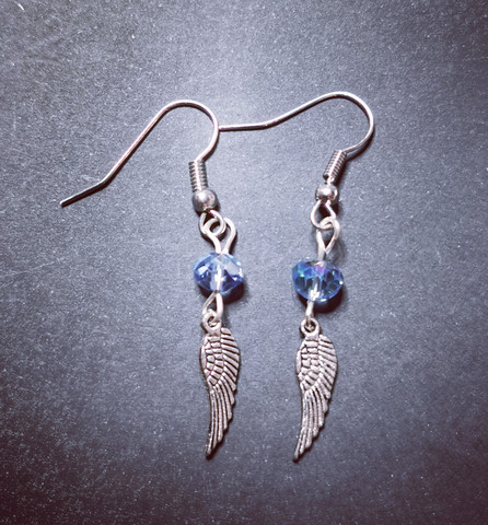 Small wing earrings