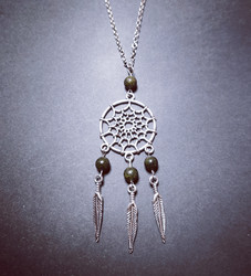 Dreamcatcher necklace with black stones