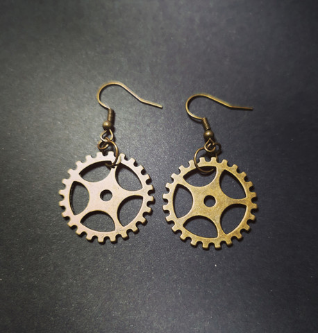 Earrings with gears 2