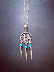 Dreamcatcher necklace with turquoise beads