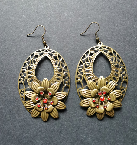 Flower earrings bronze colour and red