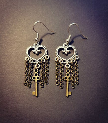 Heart earrings with chains and key