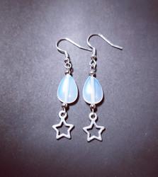 Star earrings with moonstone