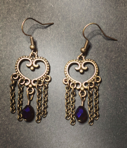 Heart earrings with chains