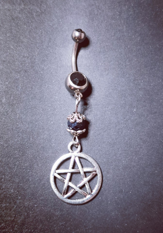 Belly piercing silver pentagram
