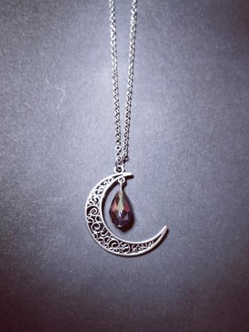 Kuu kaulakoru violetti pisara