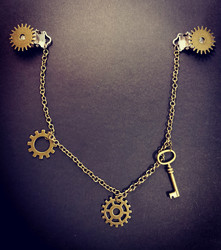 Steampunk jewelry for clothes