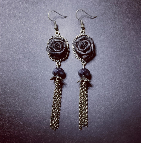 Black rose earrings with chains