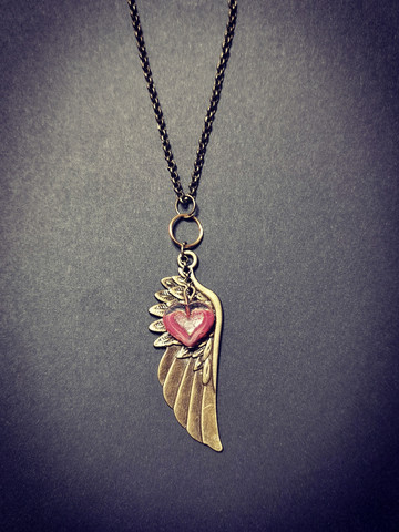 Wing and heart necklace