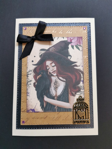 Kortti tyttö ja korppi
