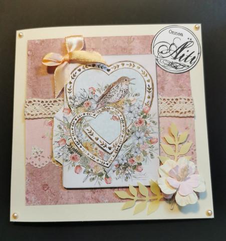 Kortti äidille lintu ja sydämet