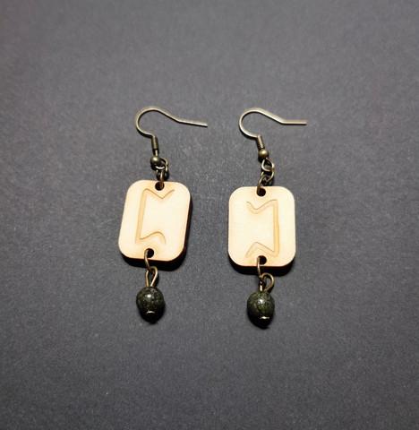 GD earrings with viking rune Perthro