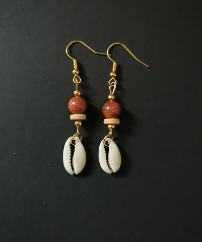 Clam earrings with sandstone beads