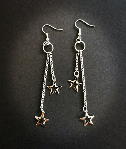 Chain earrings with stars