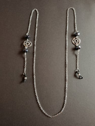 Silver colored chain for glasses with pentagrams