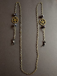Steampunk chain for glasses with black beads