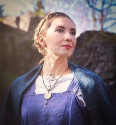GD viikinkikorvakorut suojelusriimu simpukalla