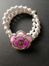 Kieppirannekoru vaalea lila ruusulla