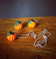 Large pumpkin earrings