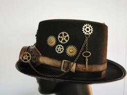 Steampunk hat with gears and goggles