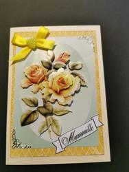 Ruusukorut ja kortti mummolle