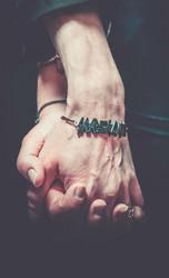 Saarihelvetti bracelet