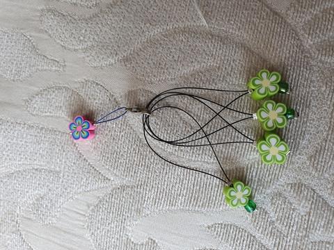 Silmukkamerkkisetti 4+1 :  vihreät kukat