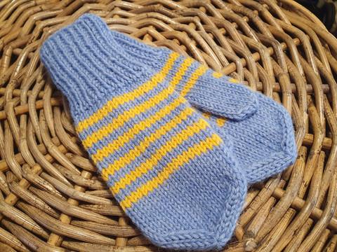 Sini-kelta raidalliset tumput 3-6 vuotiaalle