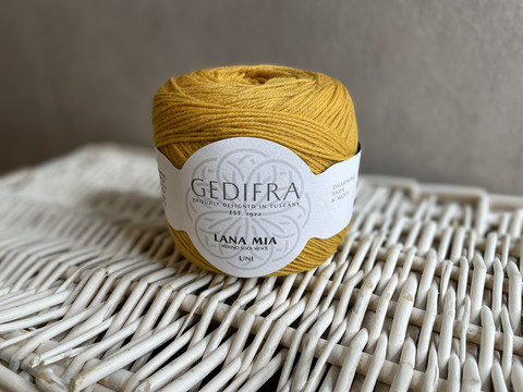 Gedifra, Lana Mia Uni, väri 914 sinapin keltainen
