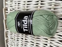 Svarta Fåret Tilda, väri 82 sumun vihreä