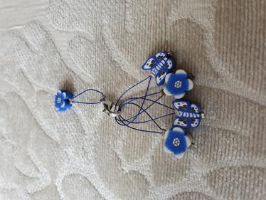 Silmukkamerkkisetti 4+1 :  siniset kukat ja perhoset