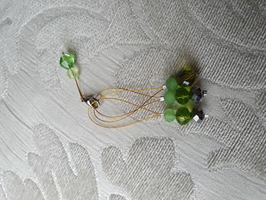 Silmukkamerkkisetti 3+1 : vihreät helmet