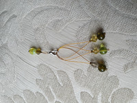 Silmukkamerkkisetti 3+1 : kelta-vihreät helmet