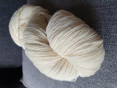 Sunwilla -villalanka valkoinen