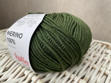 Katia Merino 100% , väri 23 metsän vihreä