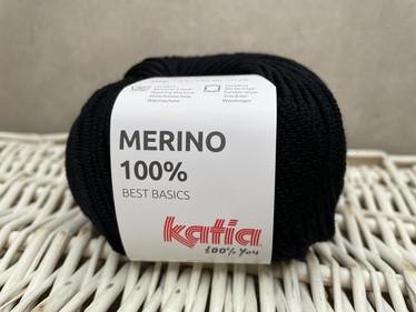 Katia Merino 100% , väri 02 musta