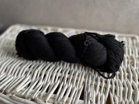 Malabrigo Arroyo, väri 195 black