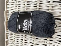 Svarta Fåret Tilda, väri 02 tumma harmaa