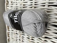 Svarta Fåret Tilda, väri 12 vaalea harmaa