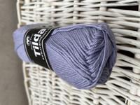 Svarta Fåret Tilda, väri 562 laventeli
