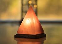 Pyramidi -suolavalaisin