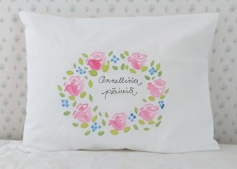 Tyynyliina ruusuilla, Onnellisia päiviä!