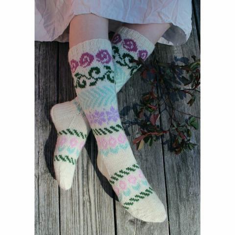 Ruusunnuput sukat -tarvikepaketti