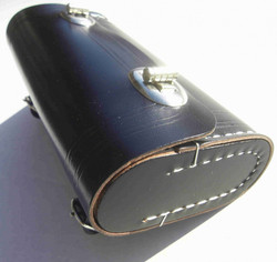 SADDLE BAG, BLACK, CHROME CATCHES