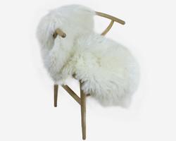 Lampaantalja pitkä, muhkea luonnonvalkoinen pehmeävillainen