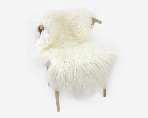 Lampaantalja hunajaisen luonnonvalkoinen pitkähkö kihara villa