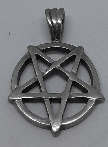 Pentagram ympyrässä n.3,5cm pieni