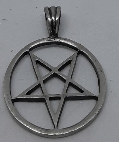 Pentagram ympyrällä, keskikoko n.4cm