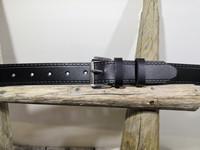 Musta nahkavyö rissasoljella 30 mm
