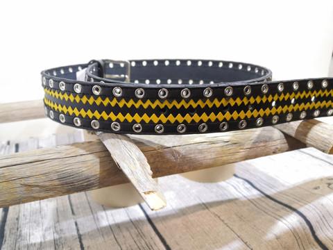 Musta/kelta/musta nahkavyö sirkoilla 40mm/2h